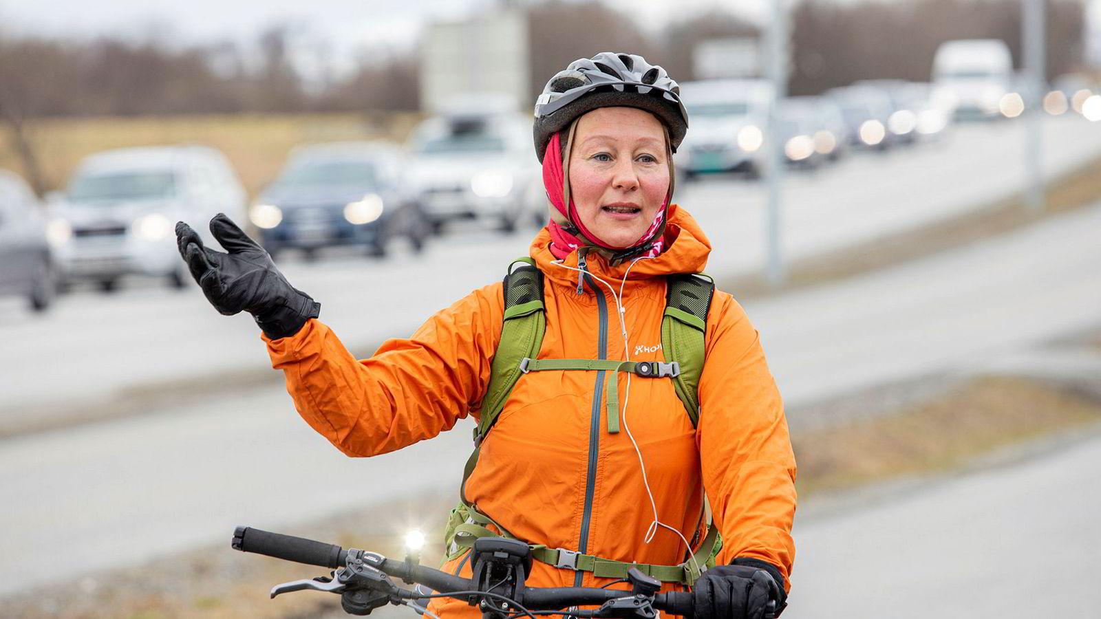 Ordfører i Tromsø Kristin Røymo (Ap) er misfornøyd med at planlagte veiutbygginger kan bli stanset.