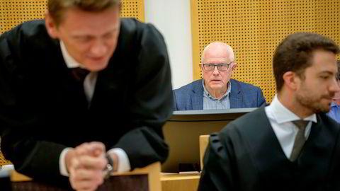 Når retten bruker ordet «tarvelig og lumpen» oppførsel, er det en underdrivelse. Det at Equinor utnytter sin dominerende stilling som innkjøper på norsk sokkel på en uetisk og lovstridig måte, er noe som mange av leverandørene på norsk sokkel har opplevd, skriver artikkelforfatteren. Her fra rettssaken mellom Neodrill og Equinor med Steffen Asmundsson, Harald Strand og Kyrre Tangen Andersen.