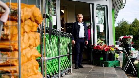 SKAL BLI BEDRE. Kiwi-sjef Jan Paul Bjørkøy mener Kiwi har vært dårlig på kommunikasjon, men selv snakker han euforisk om sine grønne fingre og sitt grønne blod. Foto: Mikaela Berg