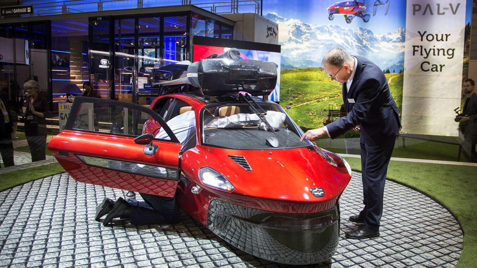 Den flyvende bilen Pal-V skal kunne bestilles allerede nå.
