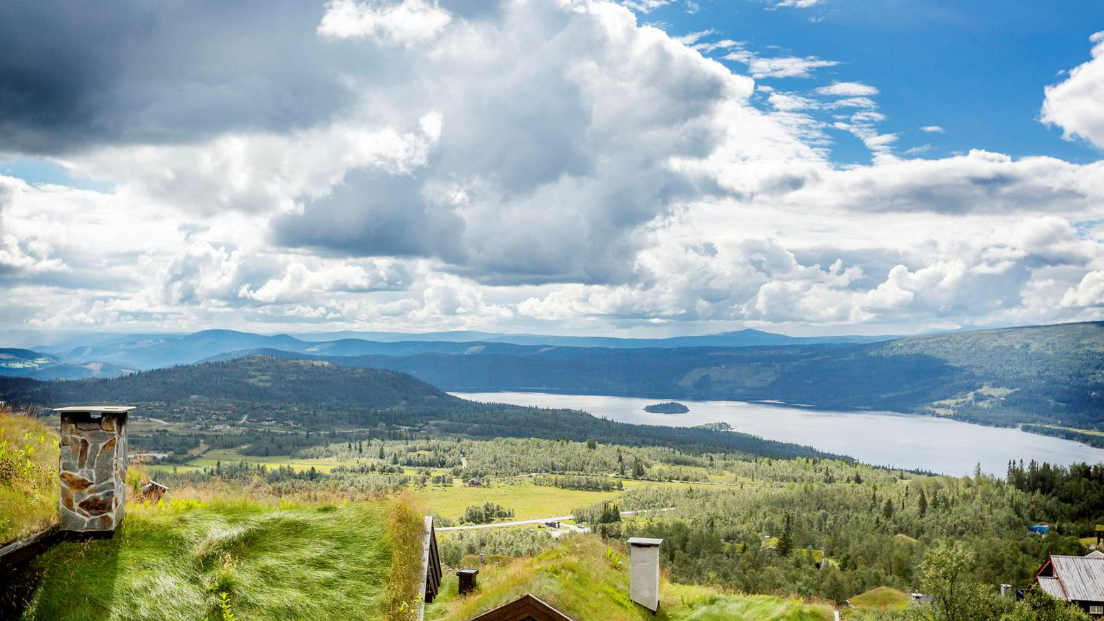 Beitostølen tiltrekker seg stadig flere turister hele året. Det betyr mer penger i kassen for brødrene Atle og Bjørnar Hovi i Beito Resort-konsernet.