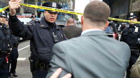 Time Warner-bygningen i New York, som huser blant annet CNN, evakueres onsdag ettermiddag etter funn av det som kan være en bombe.