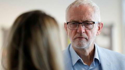 Jeremy Corbyn var i samtale med andre politikere tirsdag for å se hvordan han kan hindre at britene forlater EU uten en avtale.