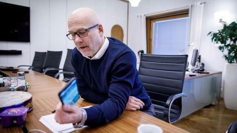 NRK-sjef Thor Gjermund Eriksen mener regjeringens opplegg for mediestøtte er problematisk.