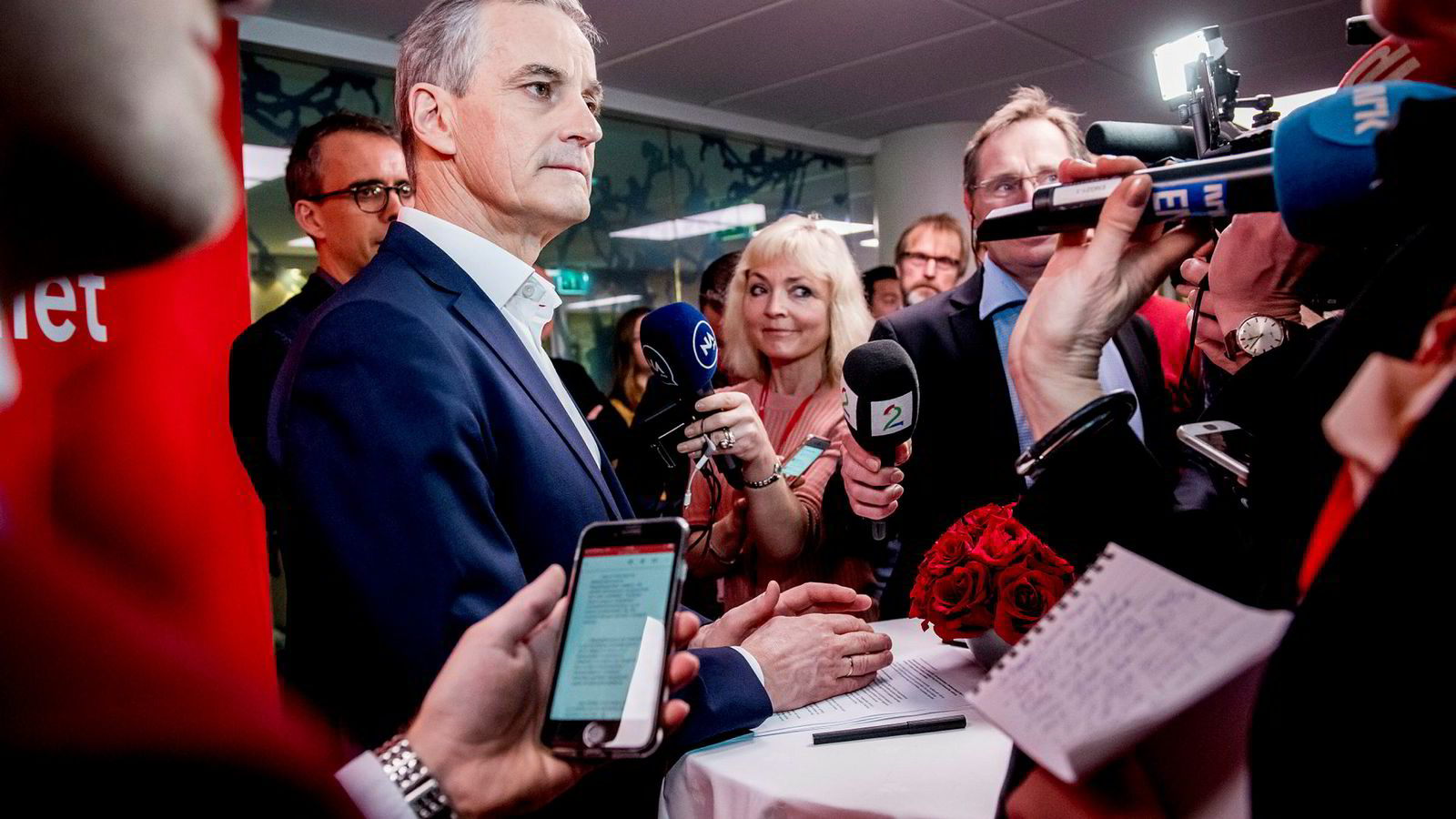 På Arbeiderpartiets landsmøte lørdag formiddag presenterte leder Jonas Gahr Støre snuoperasjonen om olje i LoVeSe.