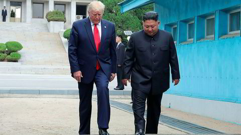 President Donald Trump ble søndag første amerikanske president til å besøke Nord-Korea, da han møtte landets diktator Kim Jong-un i grenselandsbyen Panmunjom.