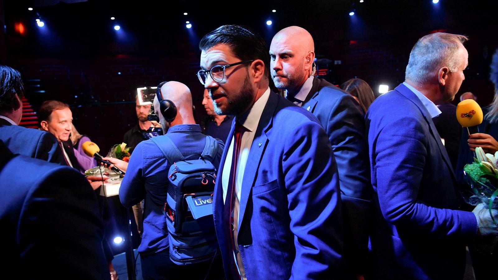 Søndagens valg i Sverige blir spennende. På bildet Sverigedemokraternes leder Jimmie Åkesson ved Aftonbladets partilederdebatt på Cirkus, Skandiascenen i Stockholm.