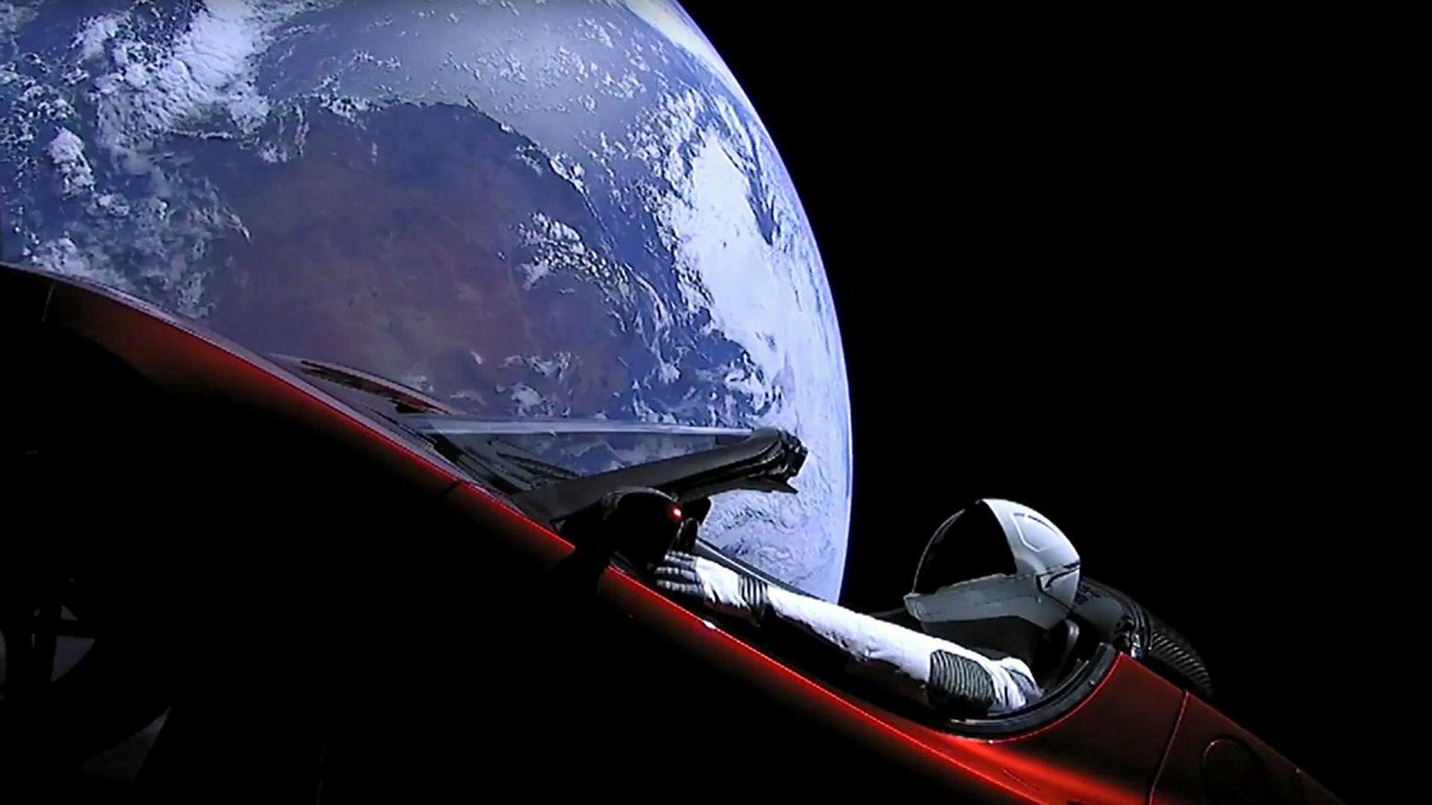Denne uken skjøt Elon Musk ut en Tesla Roadster i rommet, noe som virker lettere enn å tjene penger på elbilsalg.