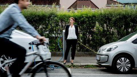 Christina Bu er generalsekretær i Norsk elbilforening og har funnet ut at bompenger er en av de store driverne innen elektrifiseringen av bilparken.