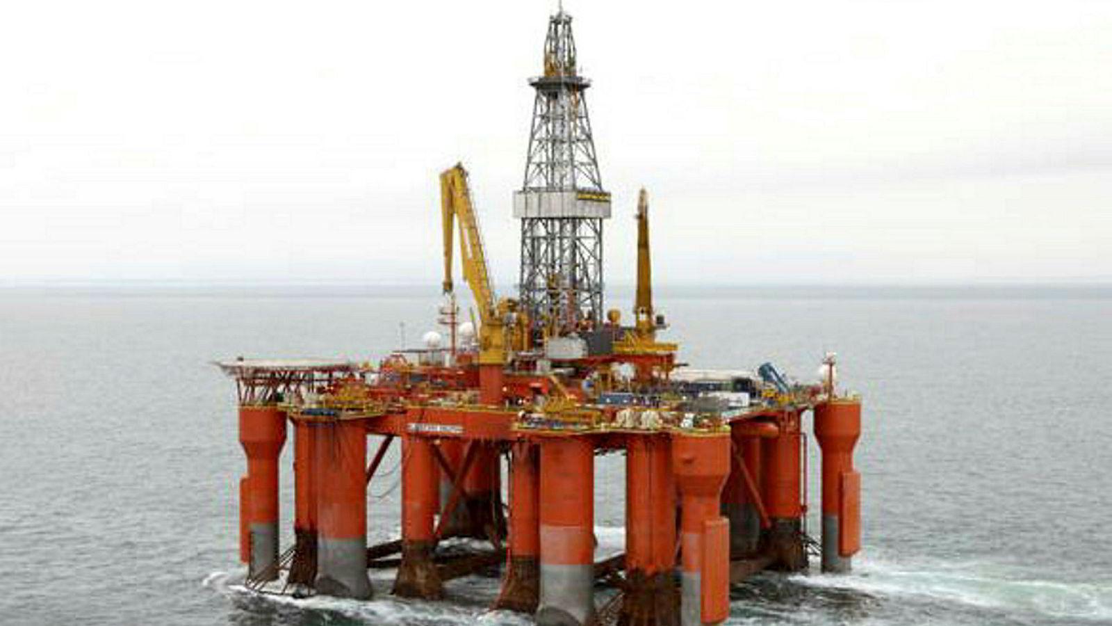 På bildet ses Dolphin Drilling sin halvt nedsenkbare rigg Blackford Dolphin.