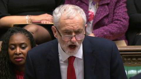 Labour-leder Jeremy Corbyn garanterer at partiet ikke vil gå inn for at Storbritannia går ut av EU uten av avtale.