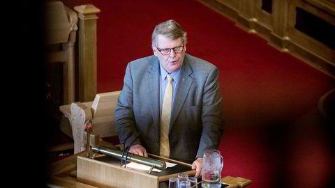 KrFs parlamentariske nestleder Hans Fredrik Grøvan mener det vil være vanskelig å forsvare en felling av regjering overfor velgerne.