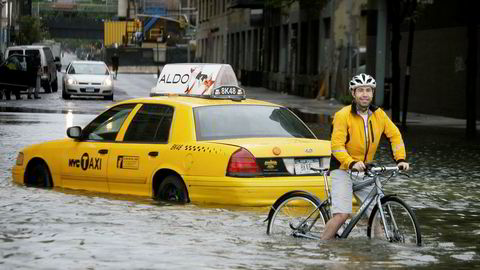 Store deler av Manhatten i New York står i fare for å bli oversvømt dersom havnivået stiger. Bildet viser oversvømte gater i New York etter at byen ble rammet av den tropiske stormen Irene i 2011.