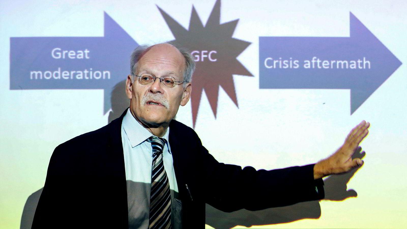 Sveriges sentralbanksjef Stefan Ingves varsler høyere renter de kommende årene.