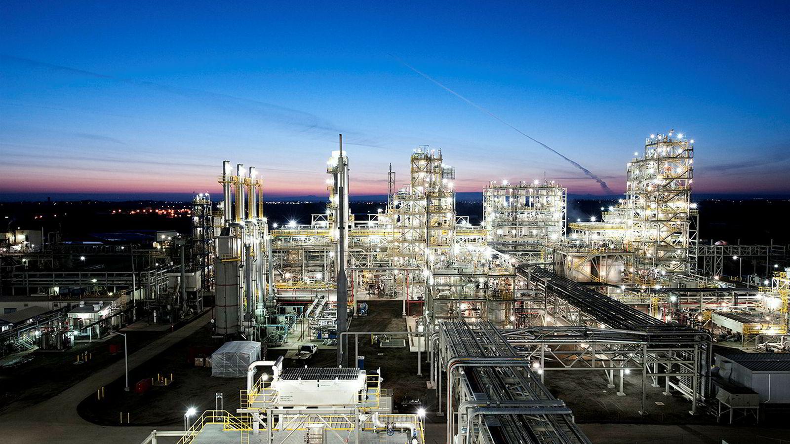 Rec Silicon investerte 1,7 milliarder dollar for å bygge ut anlegget Moses Lake – verdens største silisiumsfabrikk. Om to måneder kan hele fabrikken være stengt ned.