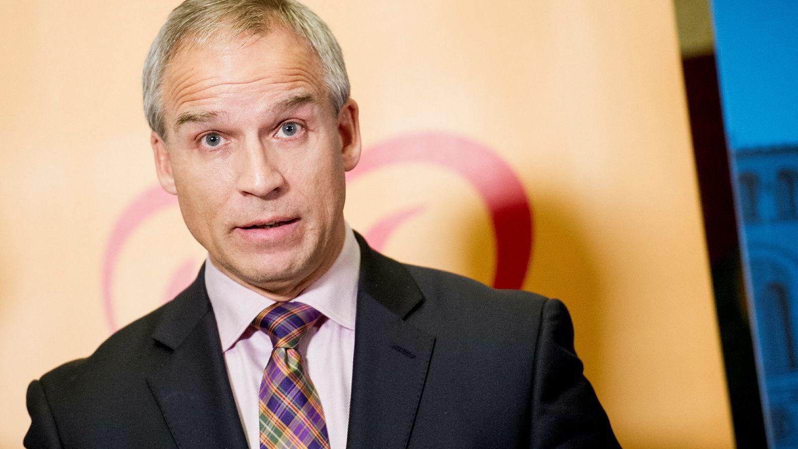 Hans Olav Syversen (KrF) kaller kritikken fra høyresiden mot Aps skatteplaner for «forhåndsprogrammerte».