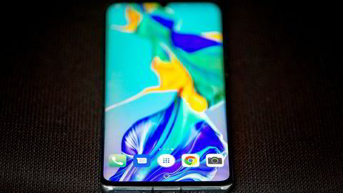 Huawei venter kraftig fall i salget av smarttelefoner utenfor Kina.