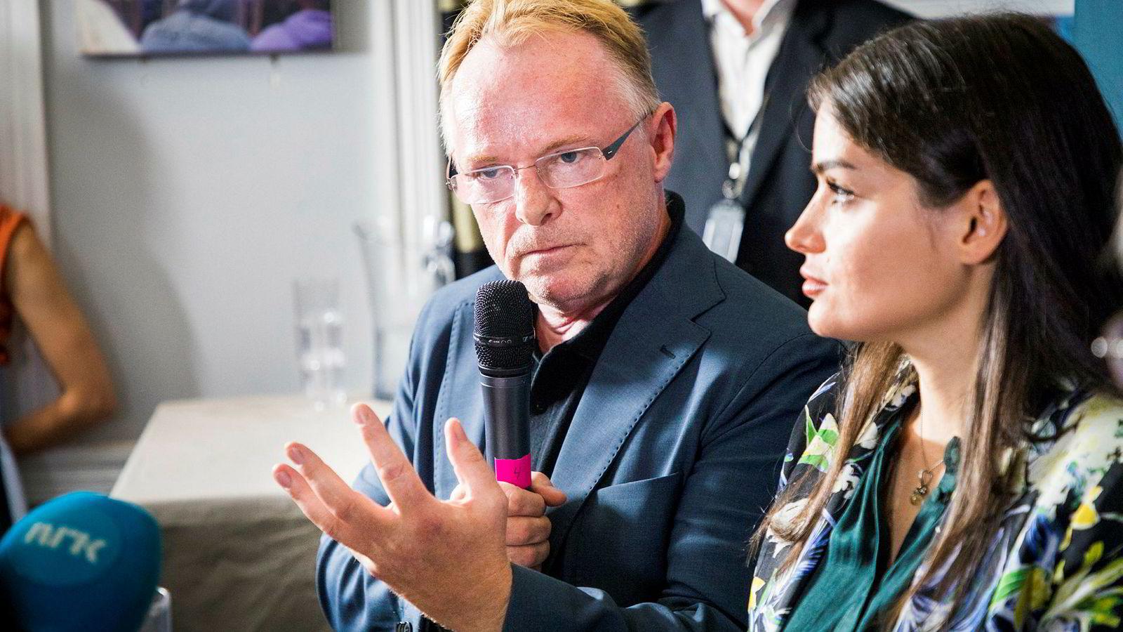 Per Sandberg valgte å gå av som fiskeriminister etter den omdiskuterte feriereisen til Iran med kjæresten Bahareh Letnes. Her fra en pressekonferanse under Arendalsuka.