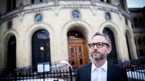 Bård Vegar Solhjell er en av SV-veteranene som teller på knappene om han tar gjenvalg som stortingsrepresentant