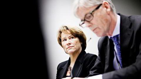 Utvalgsleder Kim Traavik med daværende justis- og beredskapsminister Grete Faremo i 2012. Foto: Anette Karlsen/NTB Scanpix.