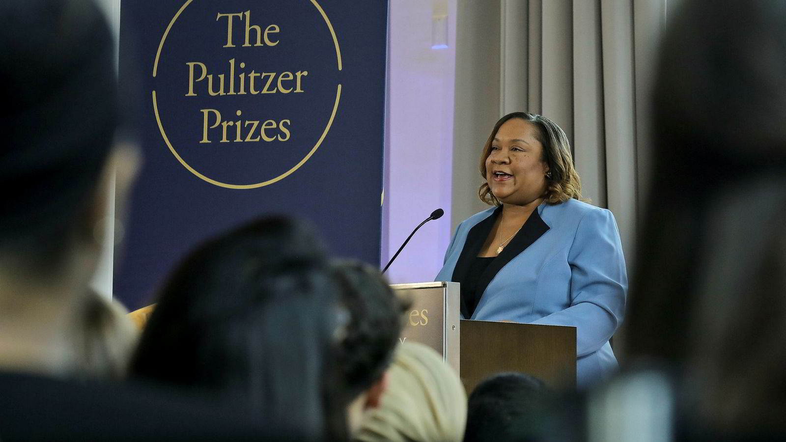 Dana Canedy, ny administrator for Pulitzer-prisene, kunngjør årets vinnere i New York mandag.