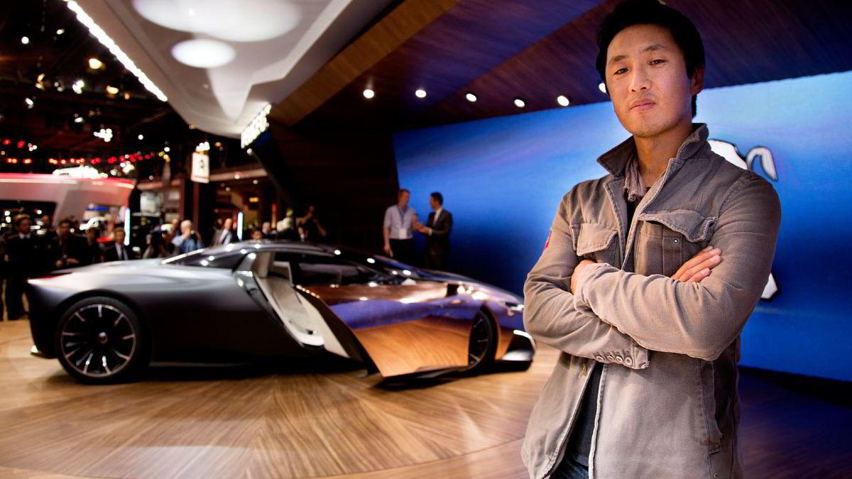 Den norske designeren Per Ivar Selvaag har vært med på det innvendige desginet for det nye bilmerket Faraday Future. Her er han i Paris foran