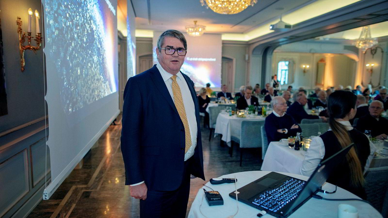 Forvalter Jan Petter Sissener samlet onsdag investorer og kunder på Theatersalen på Hotel Continental i Oslo for å snakke om finansmarkedene og fortelle om sine gamle og nye fond.
