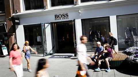 Hugo Boss fikk et driftsunderskudd på 1,3 millioner kroner i fjor. Hovedårsaken er nedskrivning av butikklokalet på Karl Johan i Oslo.