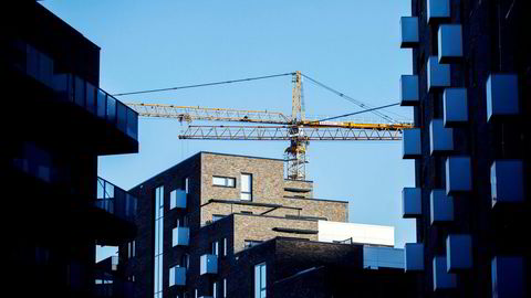 I mars falt salget av nye boliger med 17 prosent, og igangsettingen med 47 prosent, sammenlignet med samme måned i fjor viser Boligprodusentenes nye tall for salg og igangsetting av boliger. Her et nybygg i Kværnerbyen.