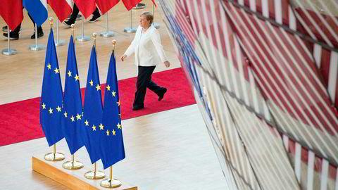 Tysklands forbundskansler Angela Merkel og de andre EU-lederne sliter med å bli enige om hvem som skal besette toppjobbene i EU.