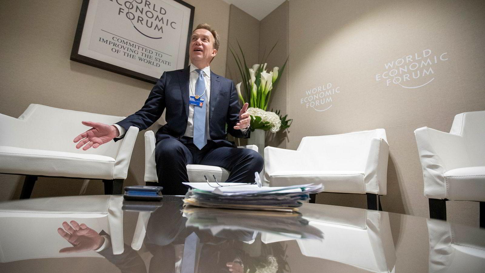 Tidligere utenriksminister Børge Brende (53) leder World Economic Forum, organisasjonen bak Davos-møtet, og frekventerer bakrommene på konferansesenteret.