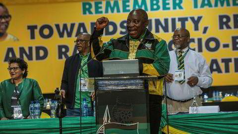 Sør-Afrikas president Cyril Ramaphosa sier Kina skal investere stort i landet.