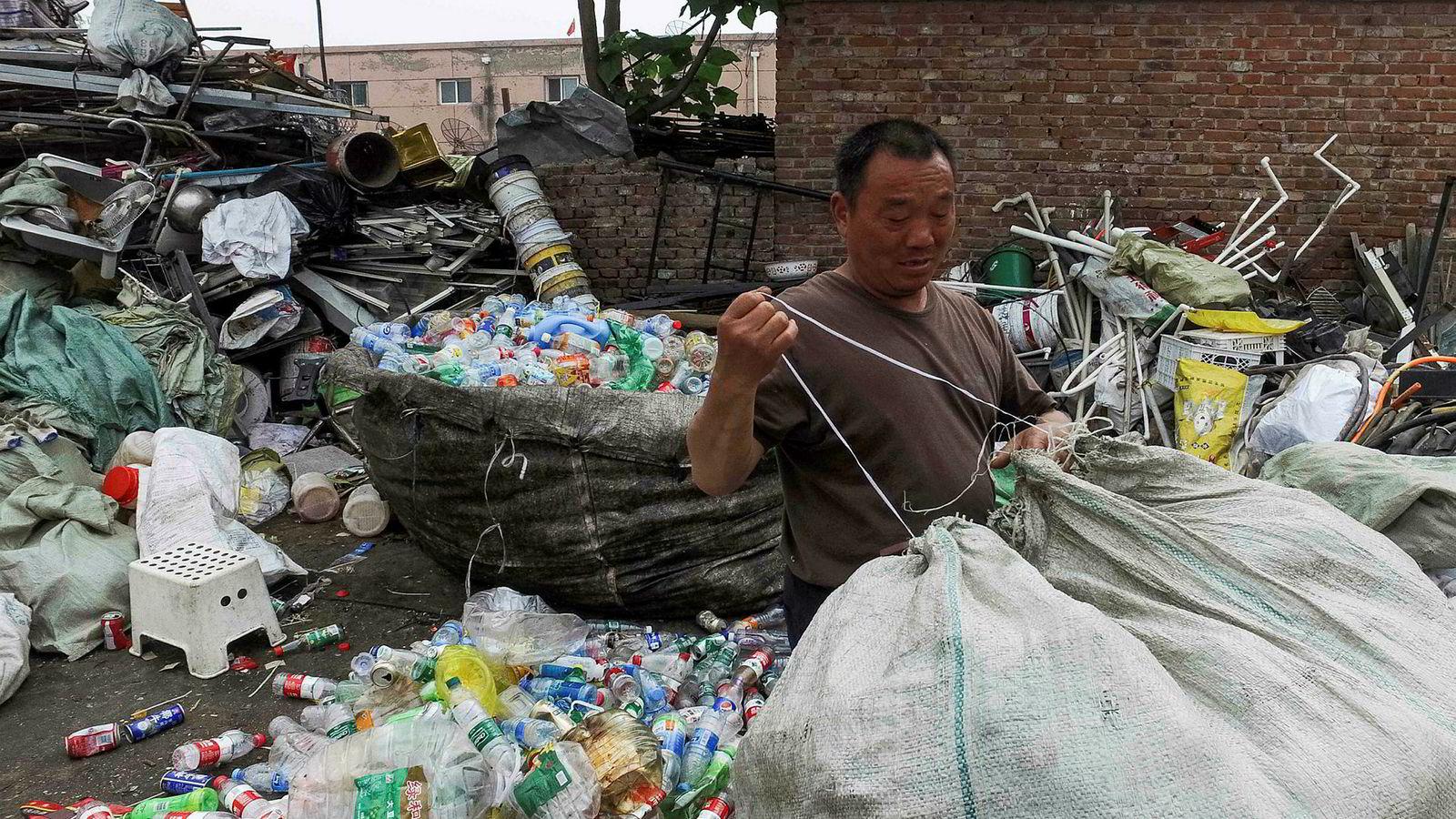 Kina har tatt i mot palstavfall fra industriland i nesten 30 år. Nå er det slutt. Det er innført importforbud på nesten alt av plastavfall.