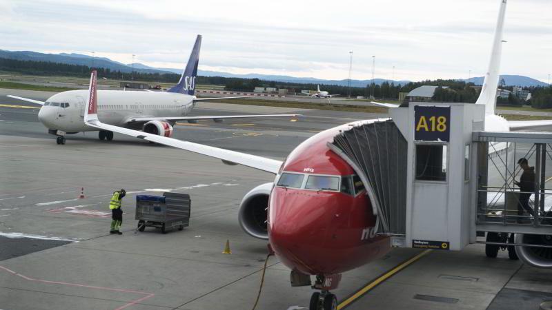 Norwegian-fly klar for avgang på Oslo Lufthavn.