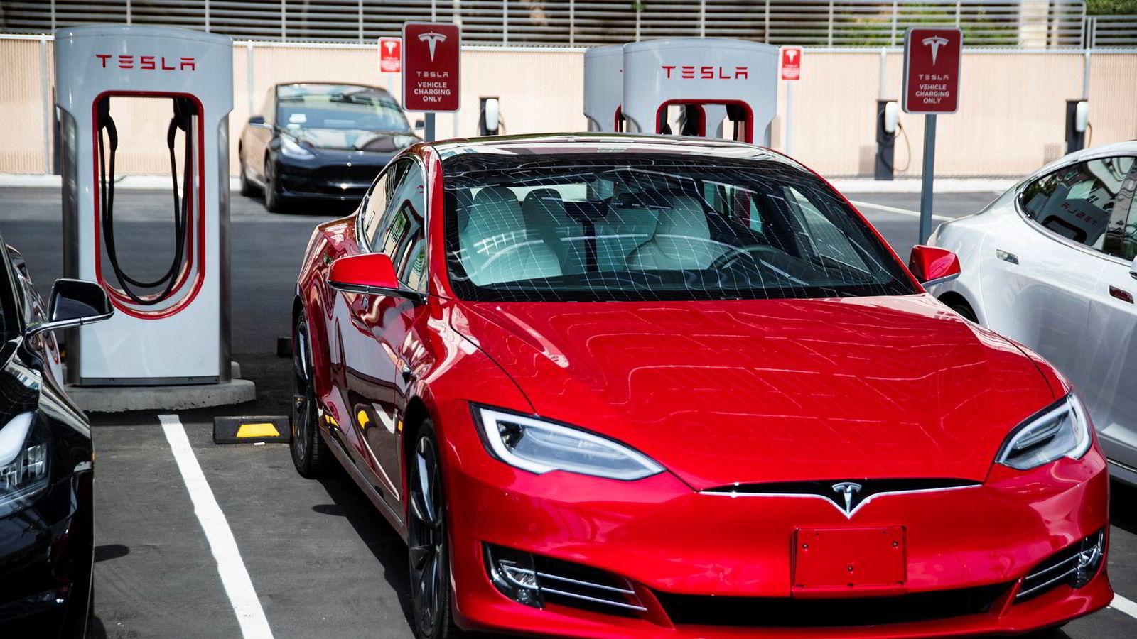 Tesla nådde ikke produksjonsmålet for tredje kvartal. Illustrasjonsfoto: Wade Vandervort / Las Vegas Sun via AP / NTB scanpix