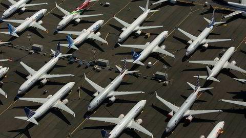 I mars ble det innført flyforbud for alle Boeing 737 Max-fly etter to flyulykker som kreve 346 menneskeliv. Her er noen av flyene parkert på en flyplass i Seattle.