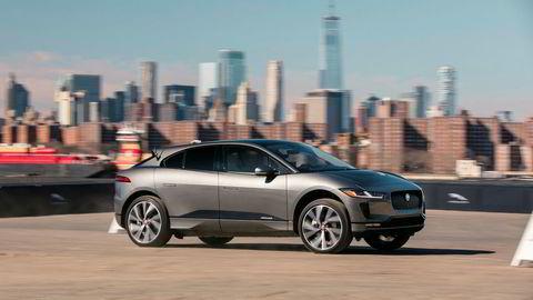 Her er elbilen Jaguar I-Pace i New York.
