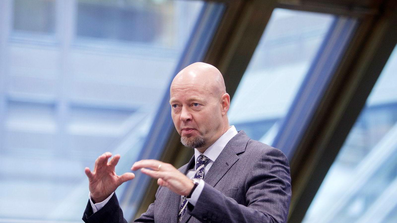 Oljefondet vil bestå uavhengig av om fondet legges utenfor eller forblir i Norges Bank, mener Oljefond-sjef Yngve Slyngstad.
