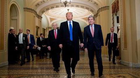 President Donald Trump har hatt en god uke, her fra et besøk på Capitol Hill. USA-ekspert anbefaler nå Trump til å bli ferdig med Mueller-rapporten snarest mulig og heller konsentrere seg om den største vinnersaken, økonomien.