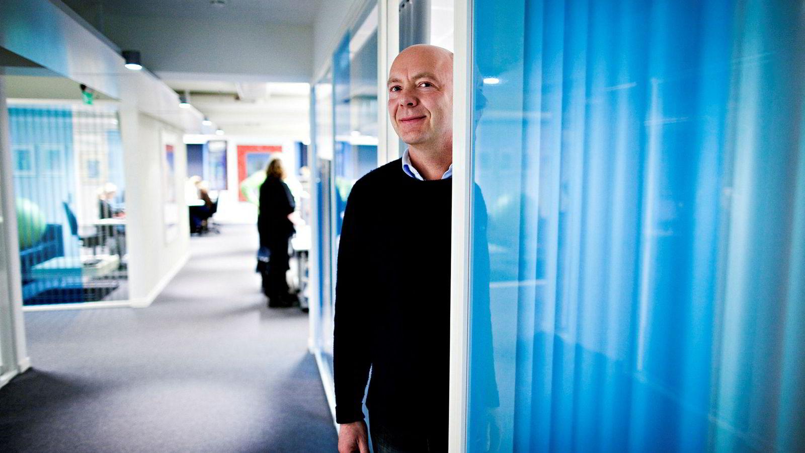 Konsernsjef Per Arne Villadsen i reisebyråkjeden Berg-Hansen tror reisegiganten Ving vil overleve – til tross for konkursen i morselskapet Thomas Cook natt til mandag.