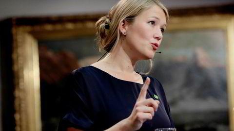 Une Aina Bastholm og MDG reagerer sterkt på at de og Rødt ikke får delta på ordinært vis i Stortingets spørretimer.