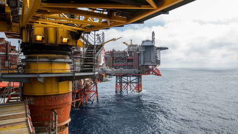 Oljeprisene har steget, og falt, kraftig de seneste to årene. Her Valhall-feltet i Nordsjøen.