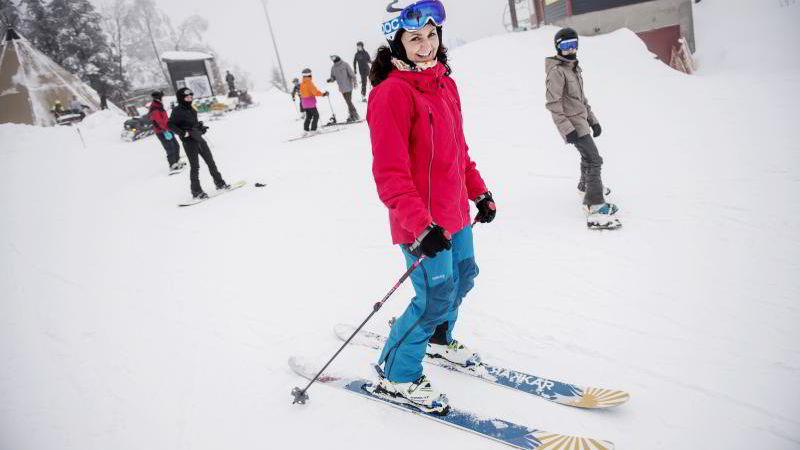 Daglig leder Camilla Sylling Clausen i Alpinanleggenes Landsforening og Norske Fjell AS, her i skibakken på Tryvann.