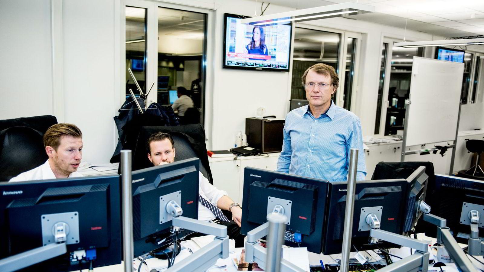 Sjefstrateg Peter Hermanrud i Swedbank (til høyre) venter et skred av nedskrivninger. Foto: Klaudia Lech