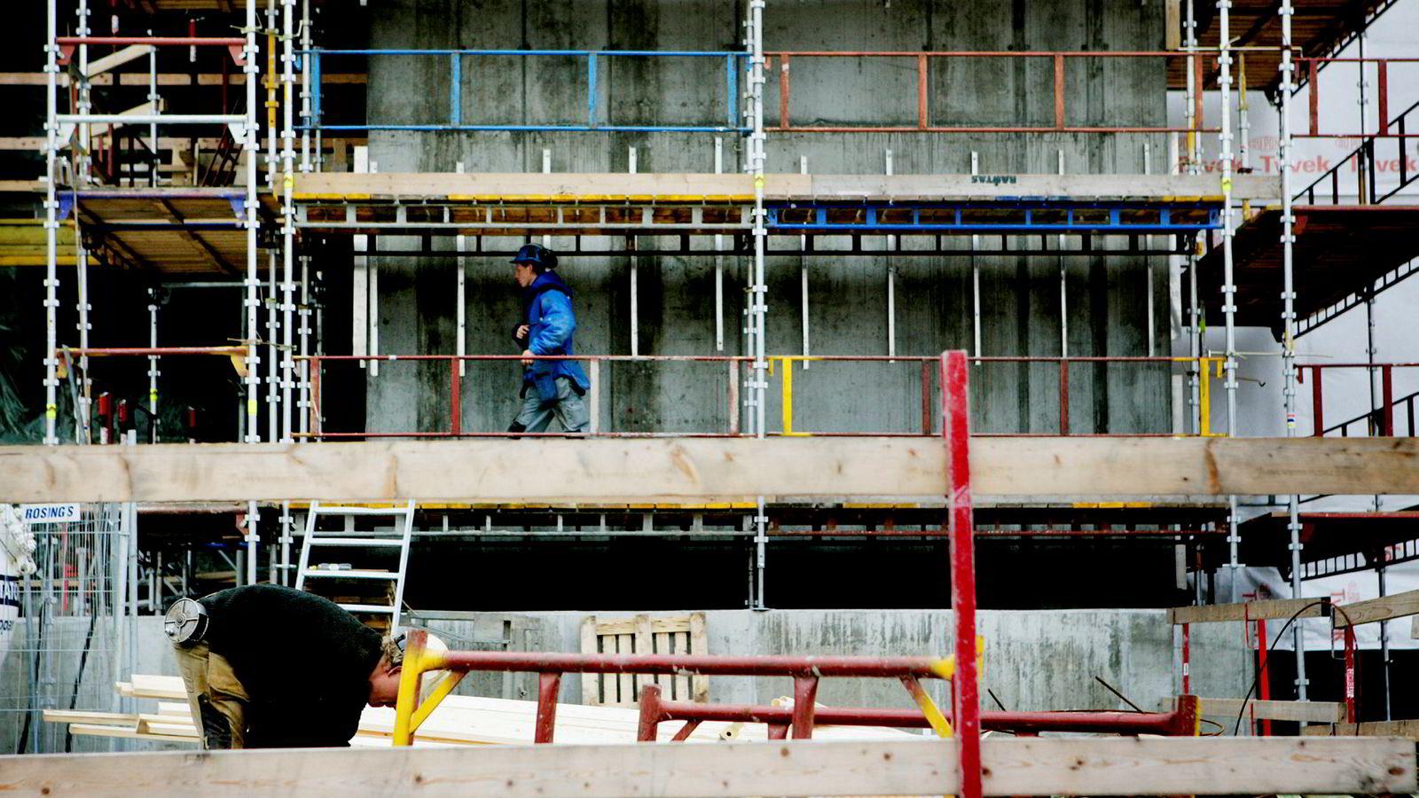 Selskapene i byggebransjen har færrest kvinner i sine styrer, ifølge SSB.