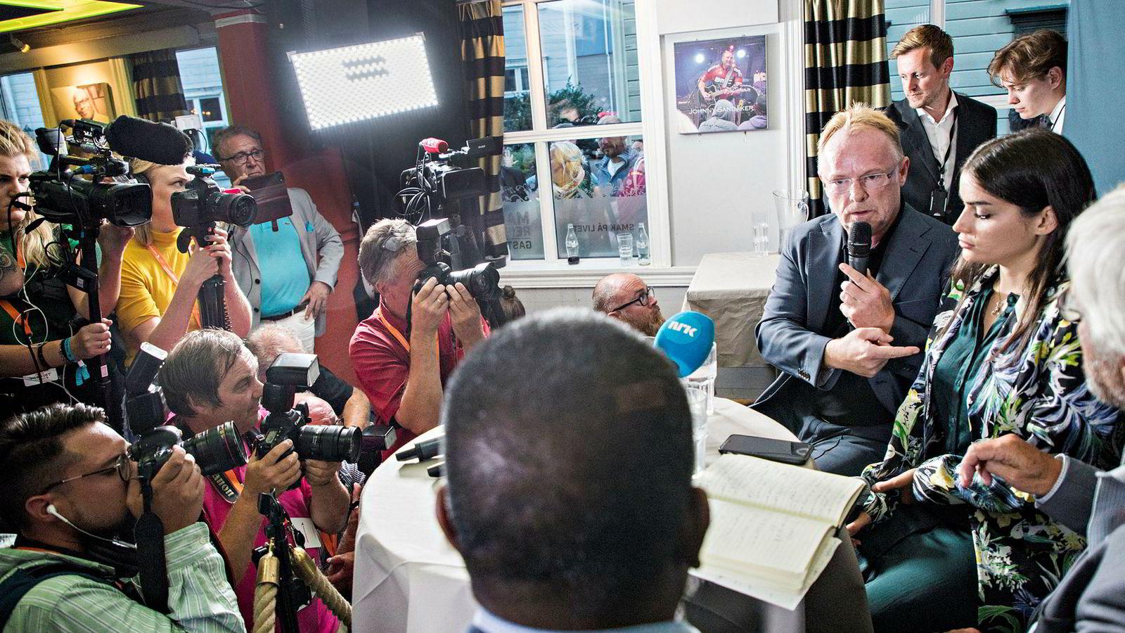 Tidligere fiskeriminister Per Sandberg møtte pressen etter sin avgang tidligere i august.