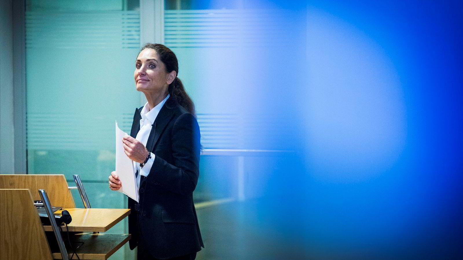 Administrerende direktør Tine Wollebekk presenterer resultatene for Bank Norwegian.