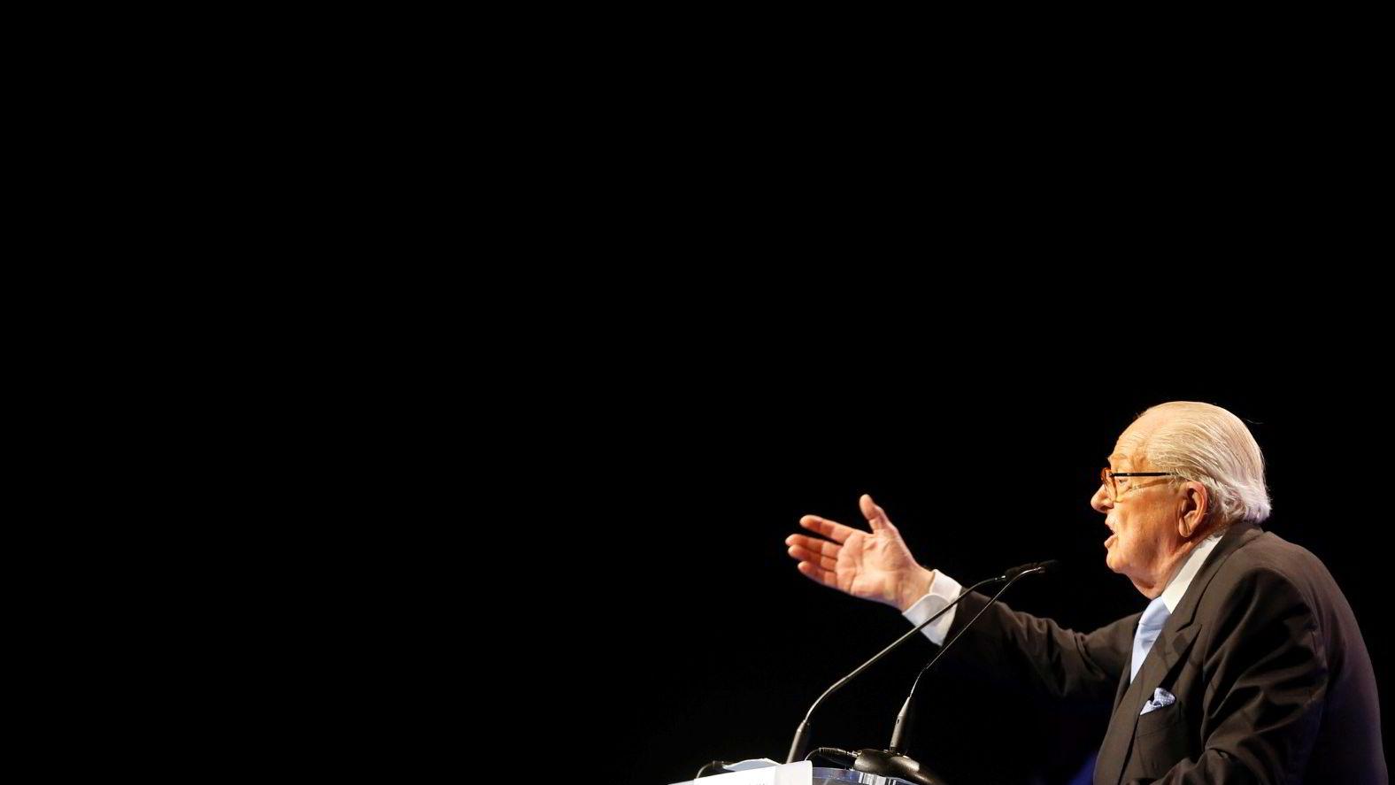 Jean-Marie Le Pen har i oppkjøringen fram mot EU-valget nok en gang høstet storm for sine kontroversielle uttalelser. Her taler han i Marseille tirsdag. Foto: Jean-Paul Pelissier / REUTERS / NTB scanpix