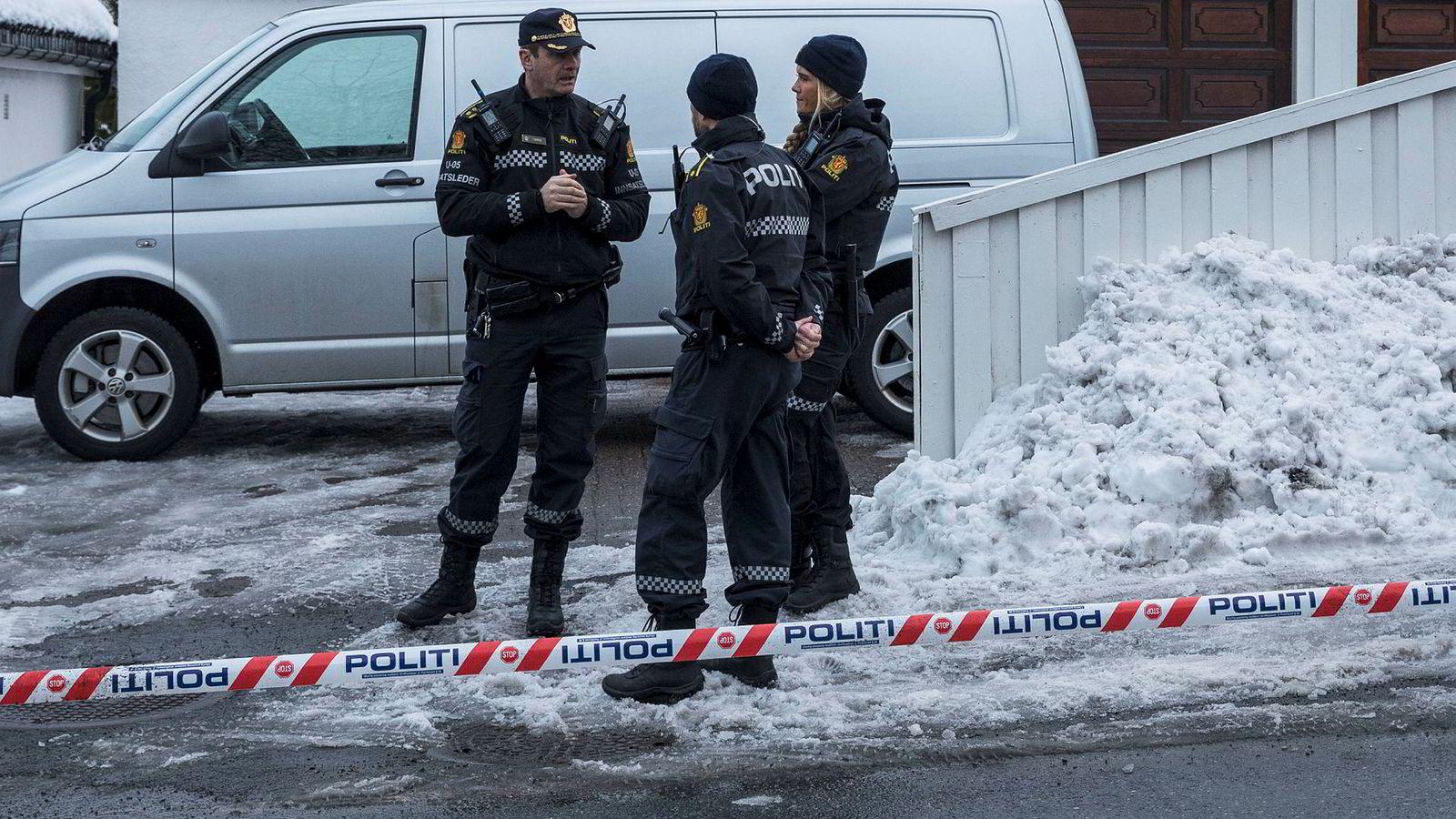 Politiet aksjonerte mot boligen til justisminister Tor Mikkel Wara torsdag ettermiddag.