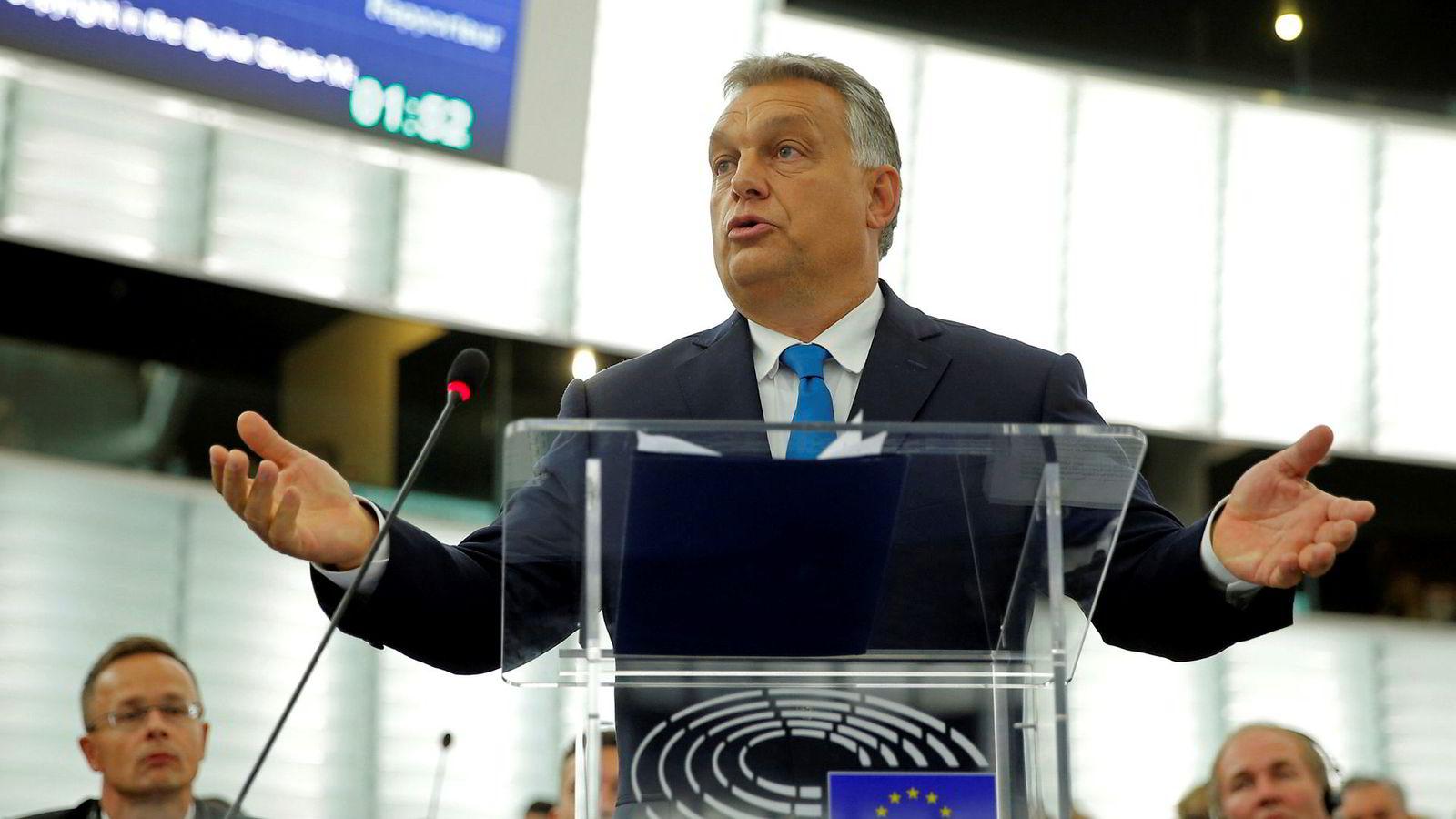 Ungarns statsminister Viktor Orbán nekter for at hans regjering har gjort noe galt. Han møtte ikke gehør hos EU-parlamentarikerne i Strasbourg.